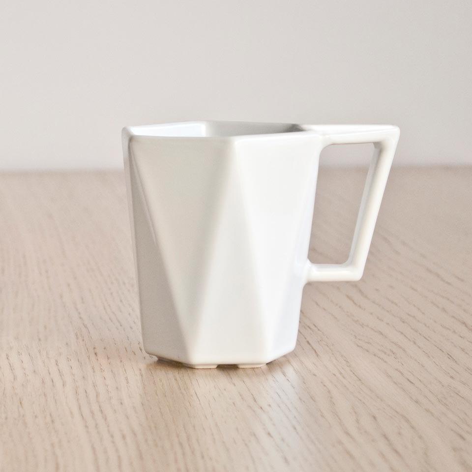 Kubek Modern projektu Kabo&Pydo dla Avant Fabryka Porcelitu