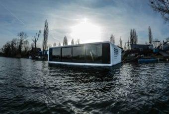 Pływający dom