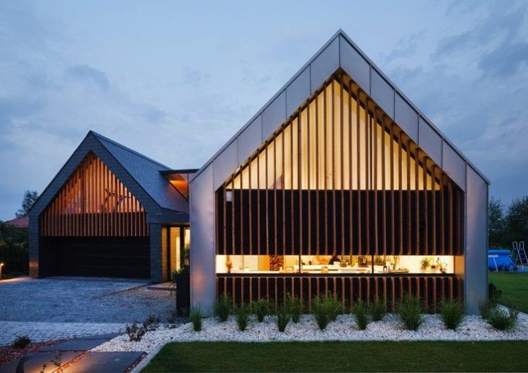 Dom dwie stodoły