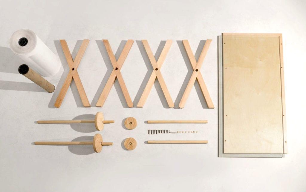Elementy drewnianego biurka Memory Desk projektu Kristen Camara