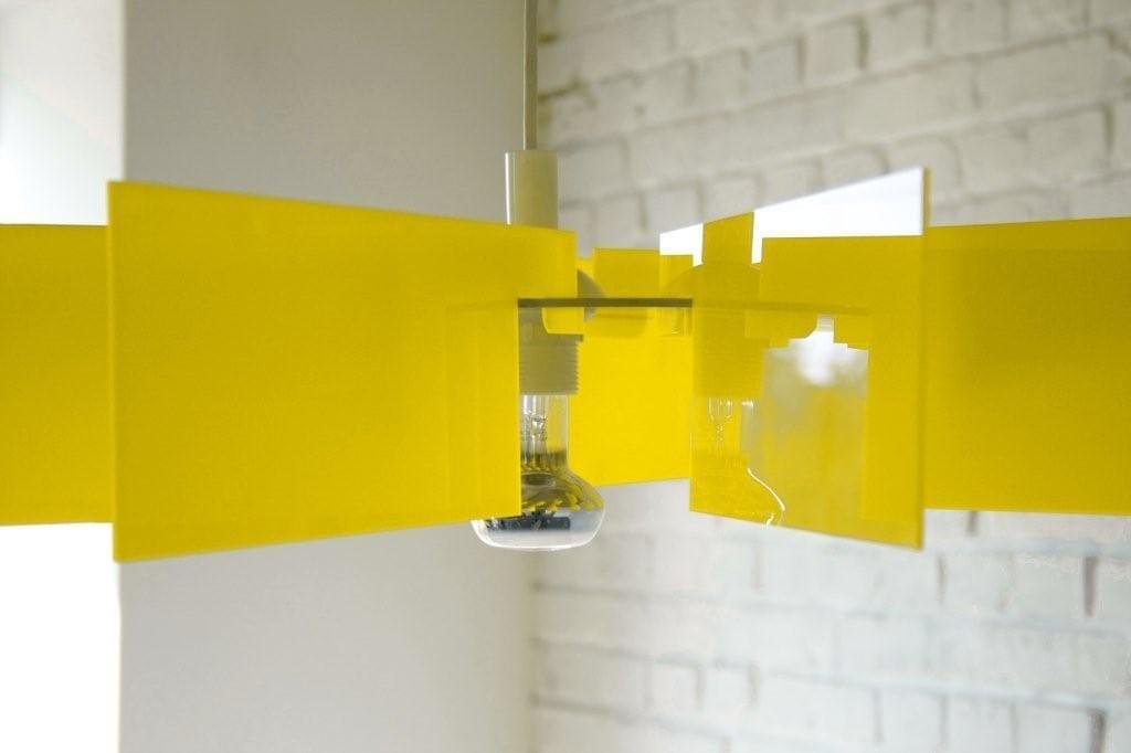 Żółta lampa Alverd projektu marki Kafti