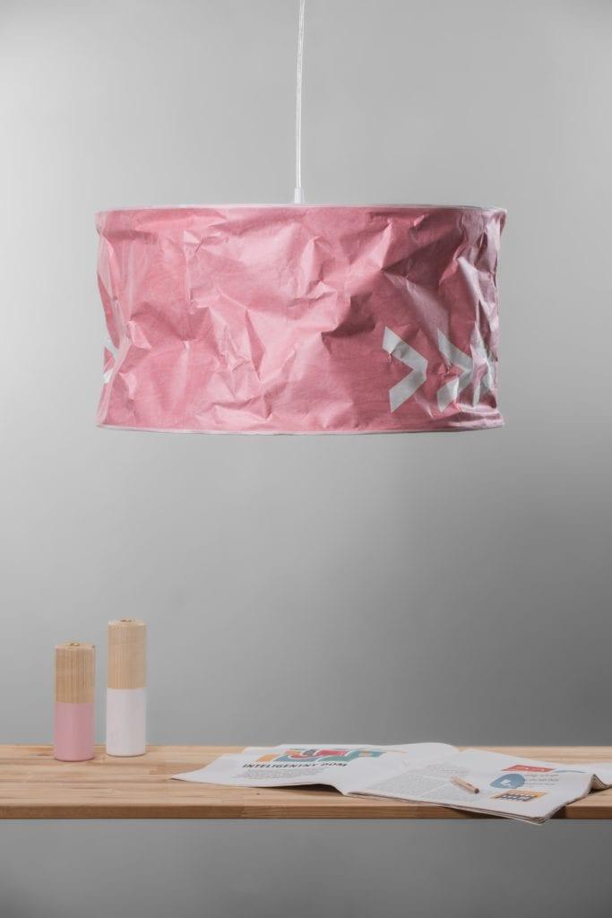 Różowa lampa Lineworks projektu marki Kafti
