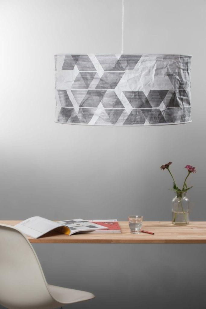 Lampa Lineworks projektu marki Kafti w kolorze szarym