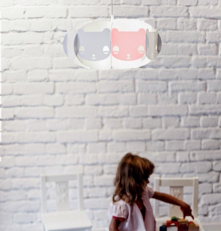 Różowa lampa Mishka projektu marki Kafti
