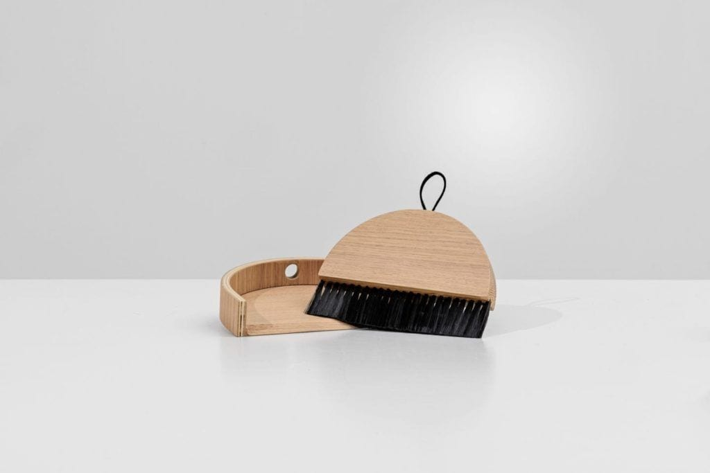Living broom and dust pan kolekcja Living od BoConcept