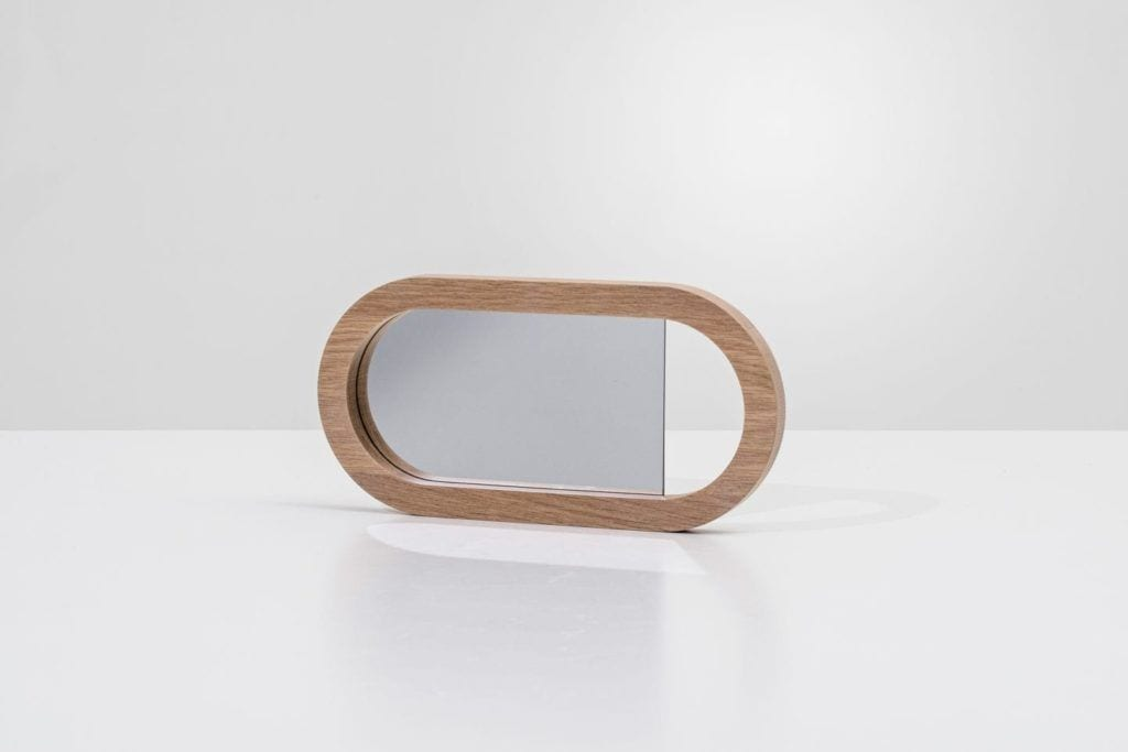 Living hand mirror kolekcja Living od BoConcept