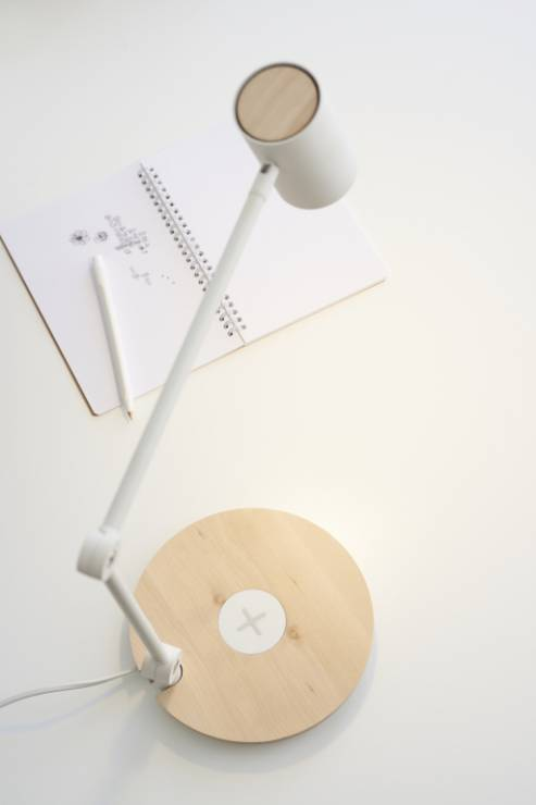Lampa RIGGAD z bezprzewodowym ładowaniem