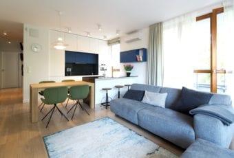 Apartament zaprojektowany nowocześnie, ale i ponadczasowo