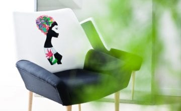 YASKOT: ręcznie malowane fotele przez polskich artystów