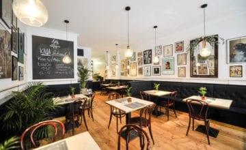 Cocorico Restaurant & Café: granat, marmur, złoto
