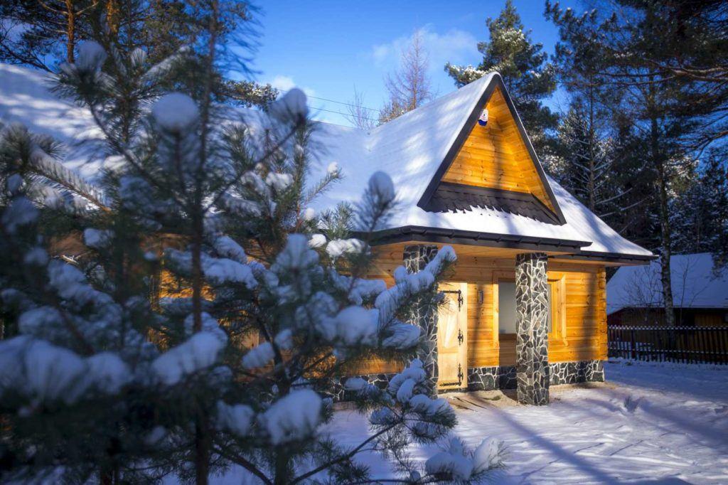 Dom w Bacówka Radawa SPA w zimowej scenerii