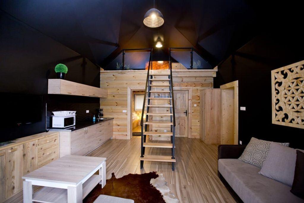 Apartament z antresolą w Bacówka Radawa SPA