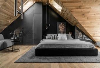 Sypialnia na poddaszu projektu Raca Architekci