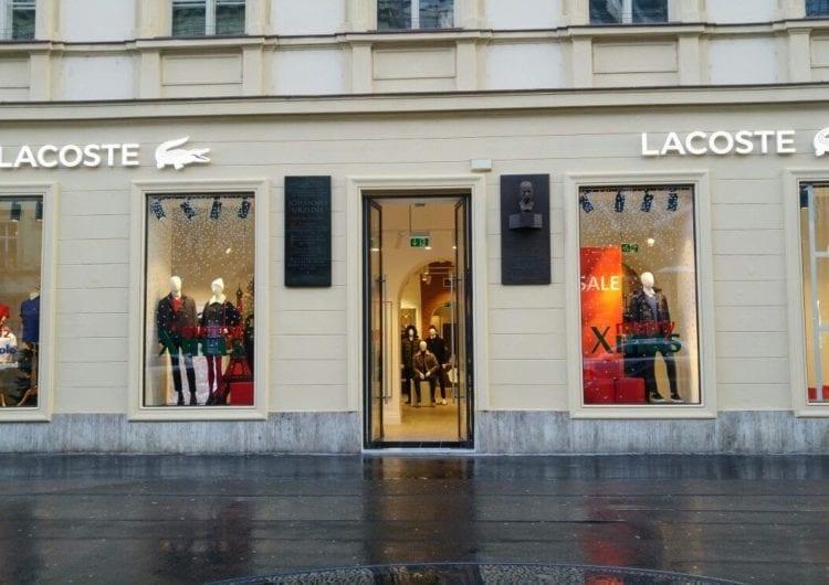 Lacoste w Pradze – zabytkowe wnętrze z nowoczesnym sznytem