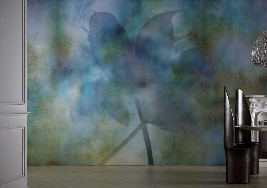 Jasna grafika ścienna z motywem niebieskiego kwiatu od włoskiej marki Glamora