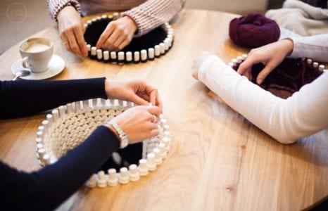 Stół do produkcji rozmowy