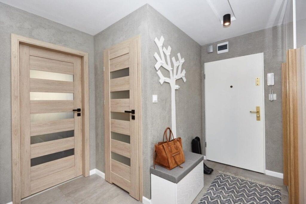 Metamorfoza mieszkania w bloku z wielkiej płyty projektu pracowni Concept 7 Studio