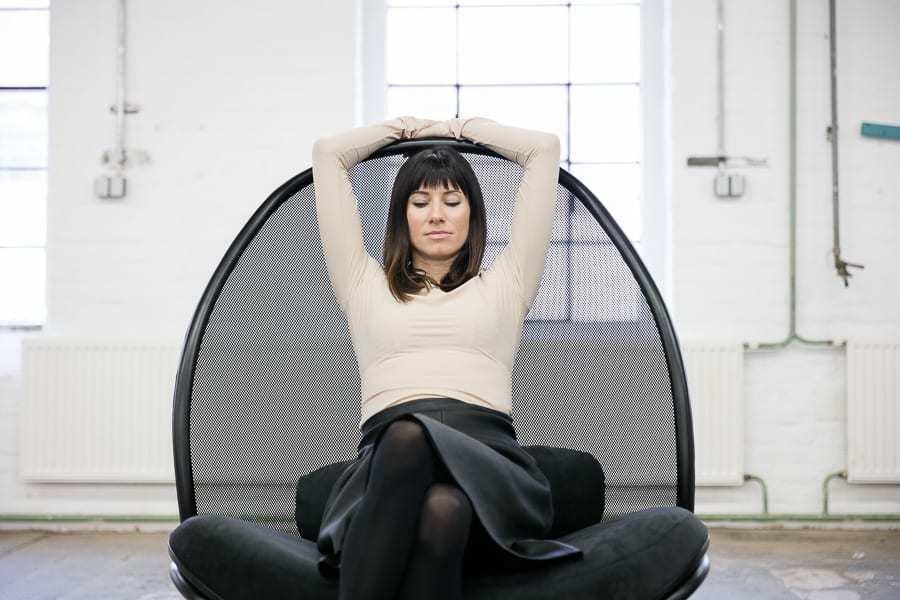 Fotel Klubowy Chips - TON - projekt Lucie Koldova