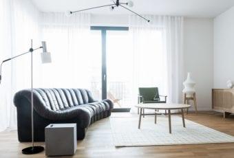 Minimalistyczne mieszkanie 2+1 od Loft Kolasiński