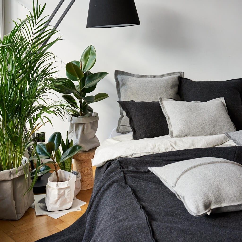 """Moyha - Zaproś rośliny do swojego wnętrza- wyjątkowe """"doniczki"""" dla kwiatów - worki dekoracyjne z impregnowanej celulozy"""