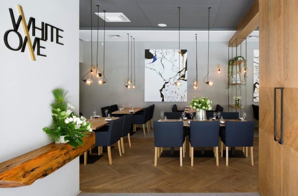 Restauracja WhiteOne - projekt pracowni The Space - zdjęcia Yassen Hristov/Hompics