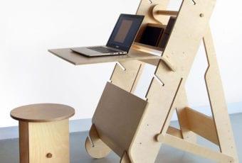 Biurko do pracy w pozycji stojącej i siedzącej