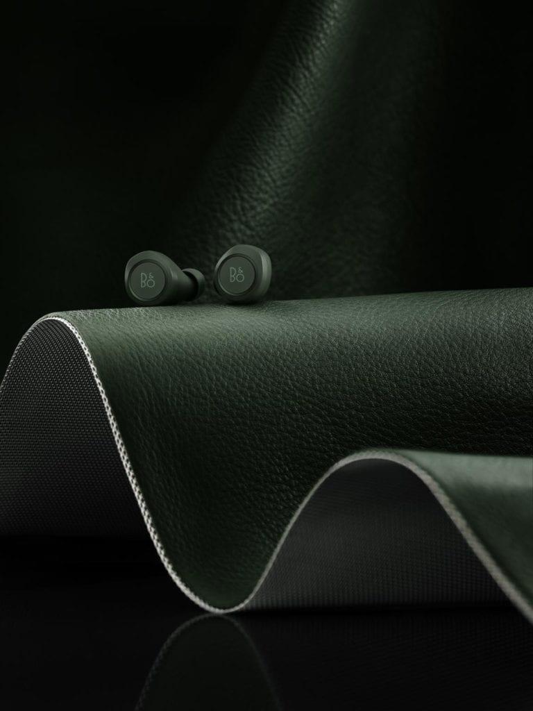 Wyjątkowe słuchawki Beoplay E8 od Bang&Olufsen w kultowym kolorze Racing Green