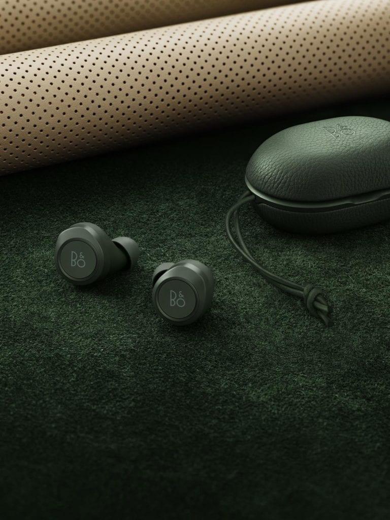 Nietuzinkowe słuchawki Beoplay E8 od Bang&Olufsen w kultowym kolorze Racing Green