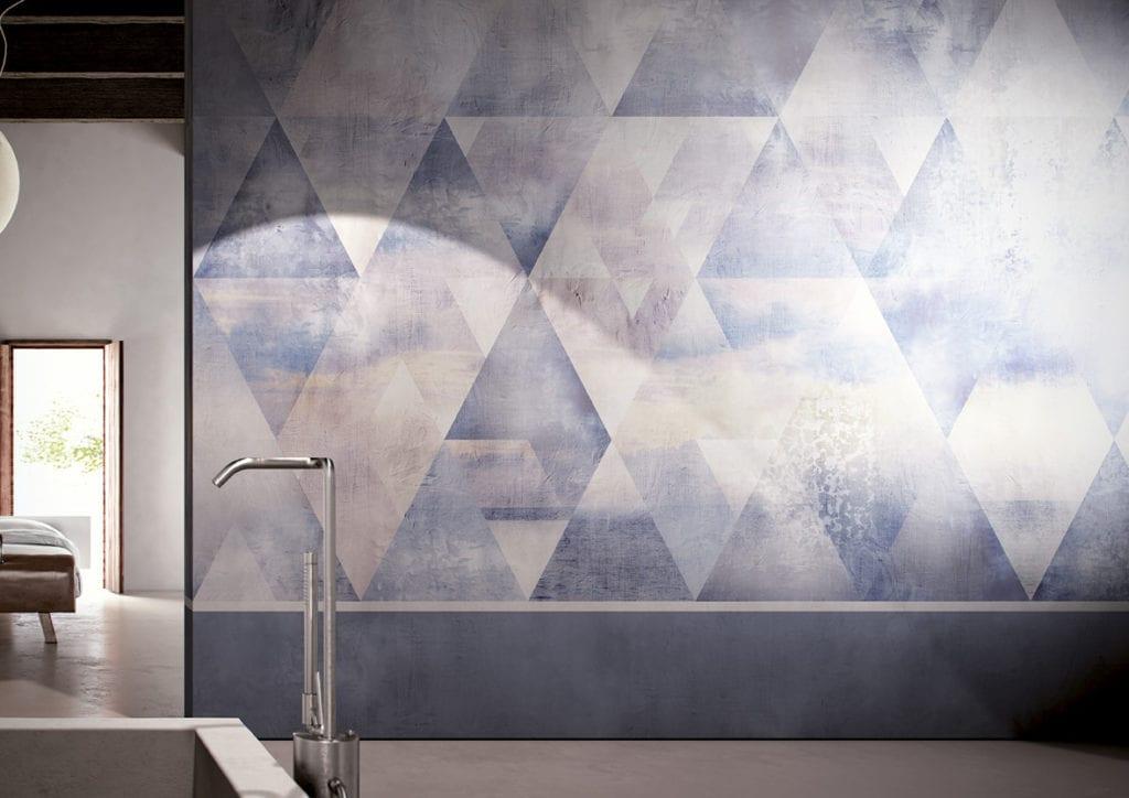 Wodoodporna tapeta z kolekcji GlamFusion od Glamora dostępna w Dekorian Home. Tapeta w kolorowe trójkąty.