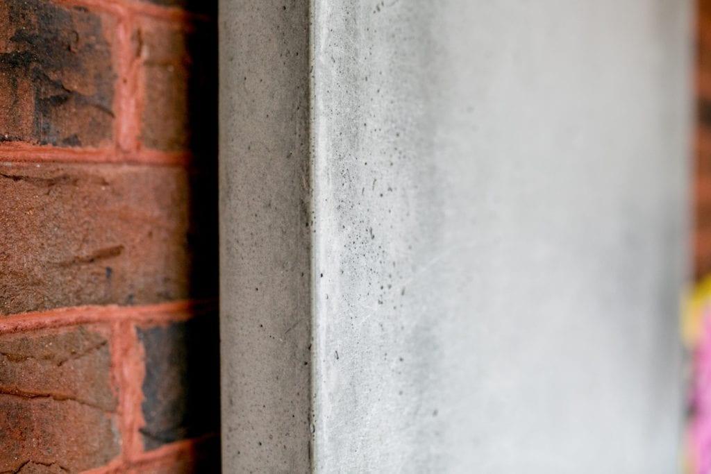 Detal betonowego grzejnika projektu Luxrad i TEKT Concrete.