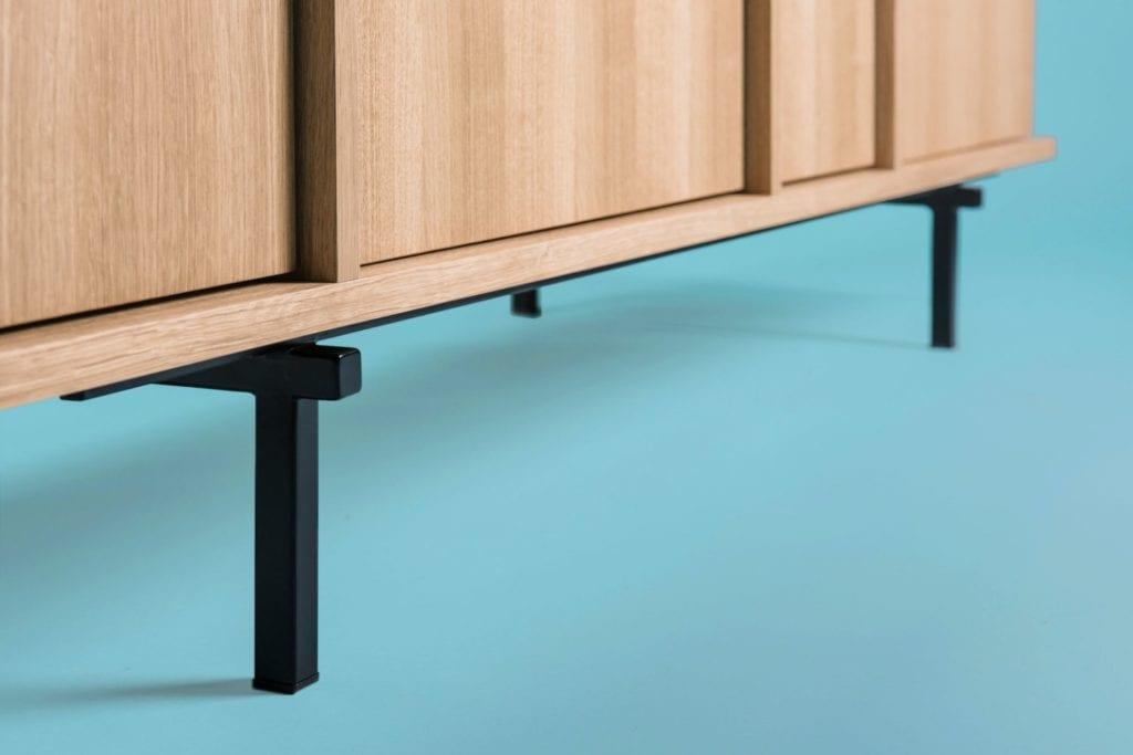 Kolekcja Umami, czyli Phormy i design inspirowany Japonią - nogi komody Umami od Phormy