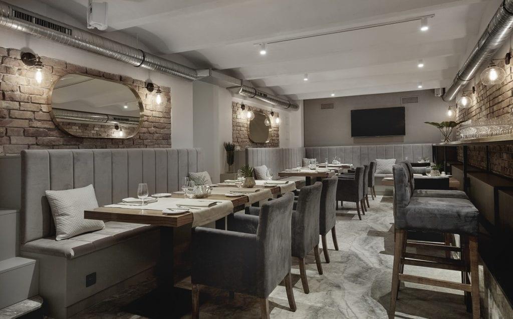 Restauracja Fork Restaurant w przedwojennej kamienicy od JMW Architekci