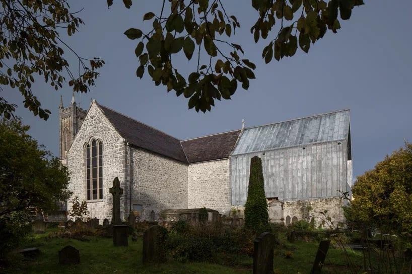 Irlandia i muzeum w kościele projektu McCullough Mulvin Architects