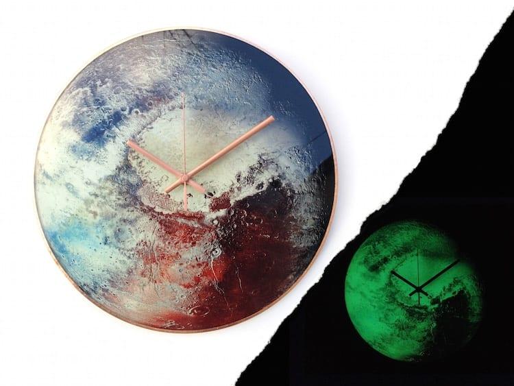 Zegar ścienny niczym układ słoneczny projektu Milica Dimitrova