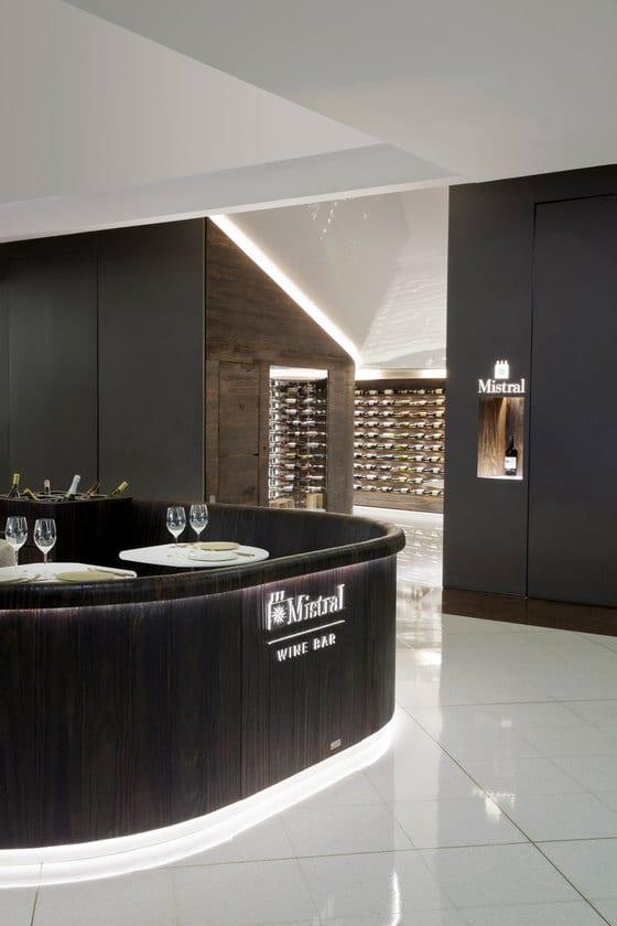 Sklep i winiarnia marki Mistral
