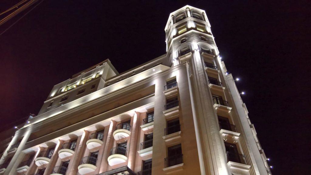 Hotel światłem malowany - wybór oświetlenia