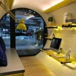 Wnętrze mieszkania w rurze OPod Tube Housing projektu James Law Cybertecture