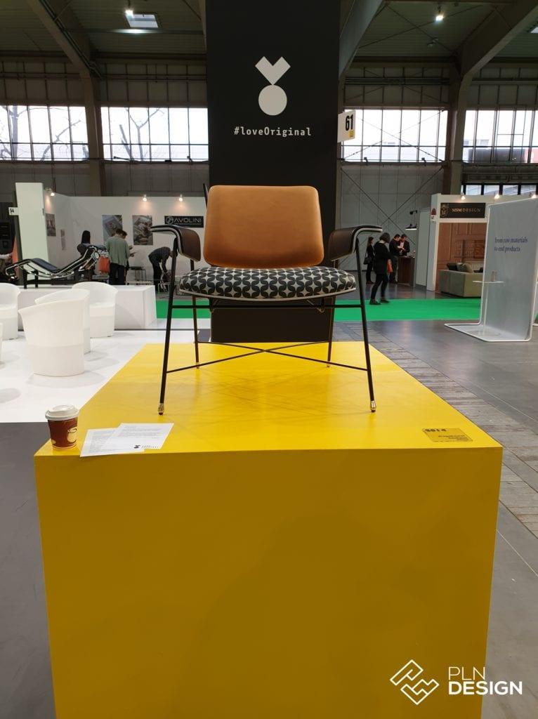 Fotel na wystawie Love Original BAUHAUS – laboratorium modernizmu