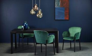 Organiczne kształty krzeseł i figlarne stoliki do kawy – nowości TON!