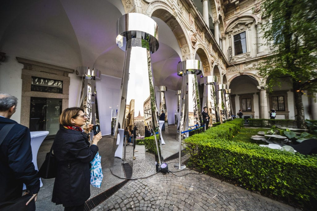 Ikona polskiego szkła świeci w Mediolanie