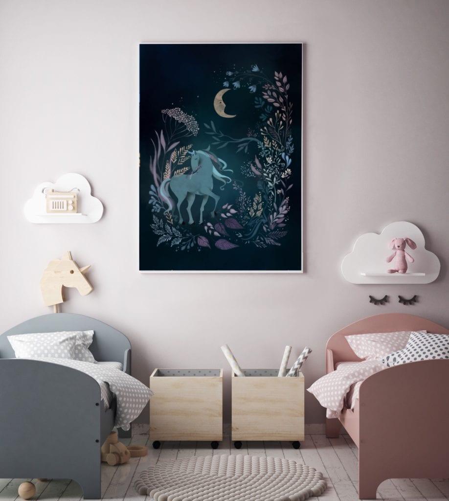 Granatowy, bajkowy plakat do pokoju dziewczynki