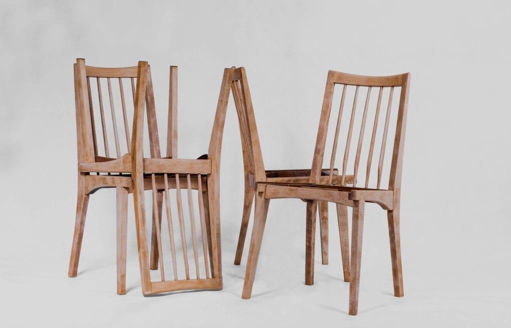 Krzesła od marki SKOS
