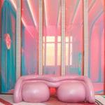 Futurystyczna garderoba z lampami i fotelem