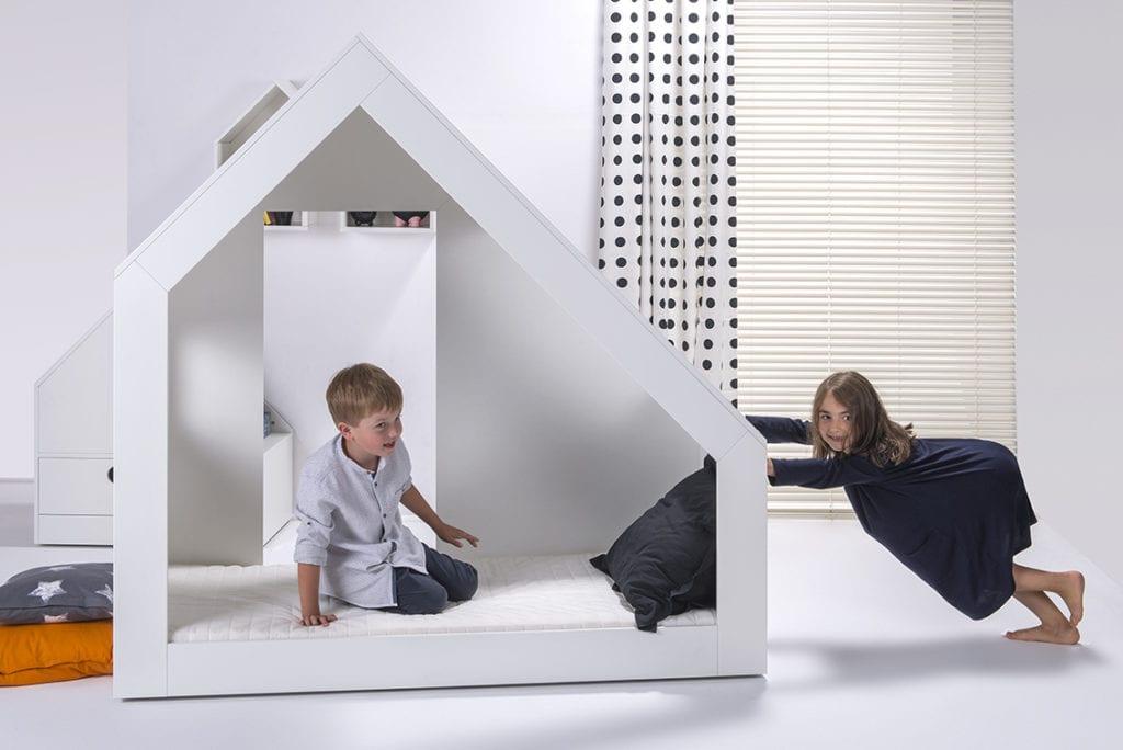 Minimalistyczne meble dla dzieci marki HookPook