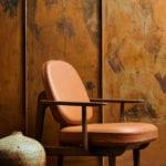Krzesło projektu Jamie Hayona z pomarańczowym obiciem