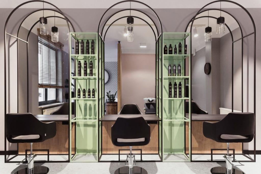 Salon fryzjerski w Białymstoku projektu Damiana Kozłowskiego z 74studio