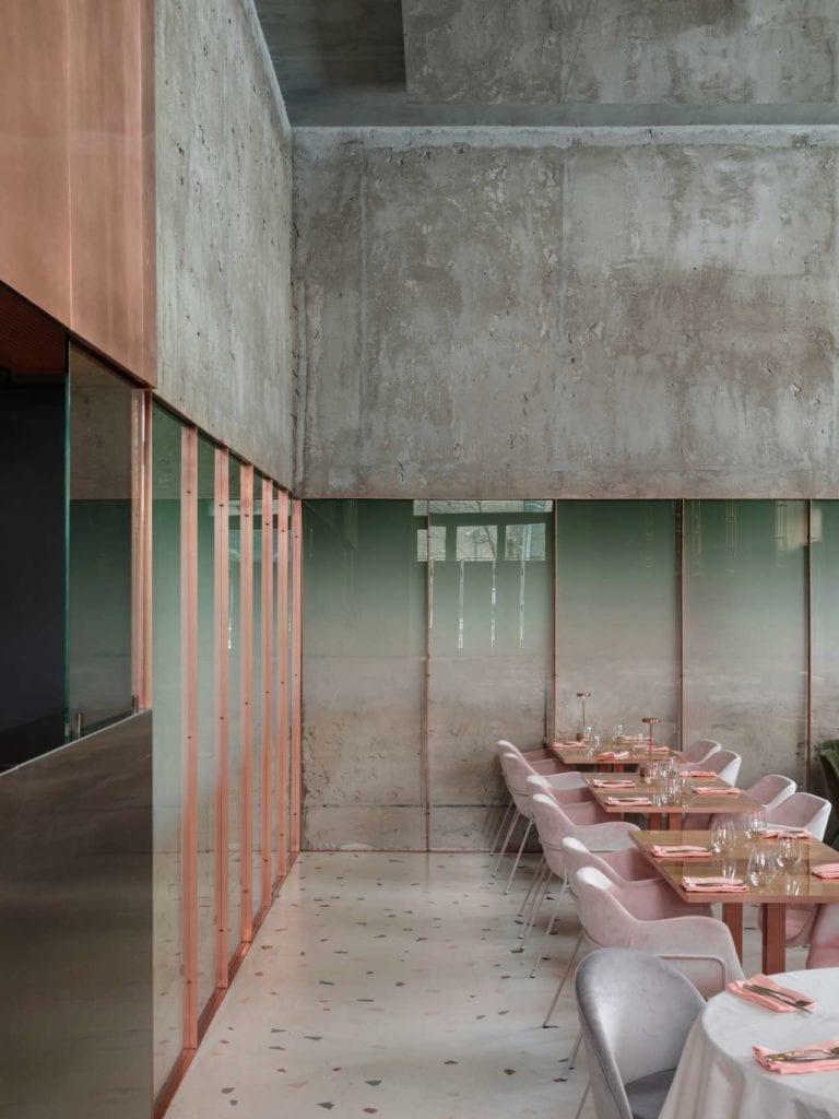 Restauracji Pink Mama projektu Harry'ego Nuriev'a