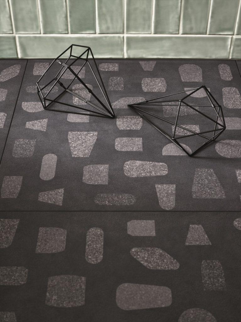 Ciemno-szara podłoga z lastryko