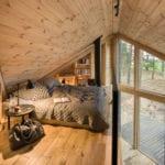 Wnętrza Bookworm Cabin - chatki do czytania