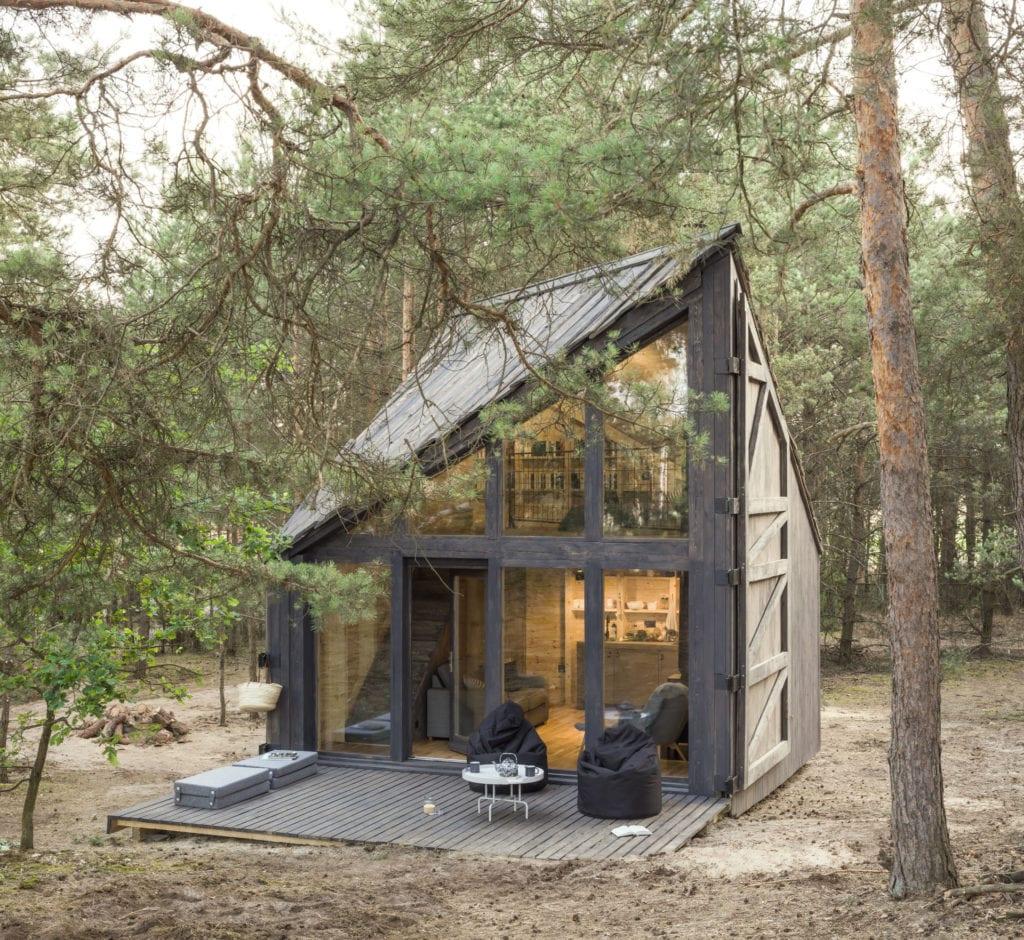 Bookworm Cabin, czyli położona w lesie chatka do czytania w Adelinie